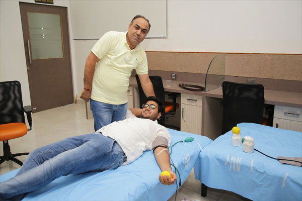 blood-donation(Director-&CEO)